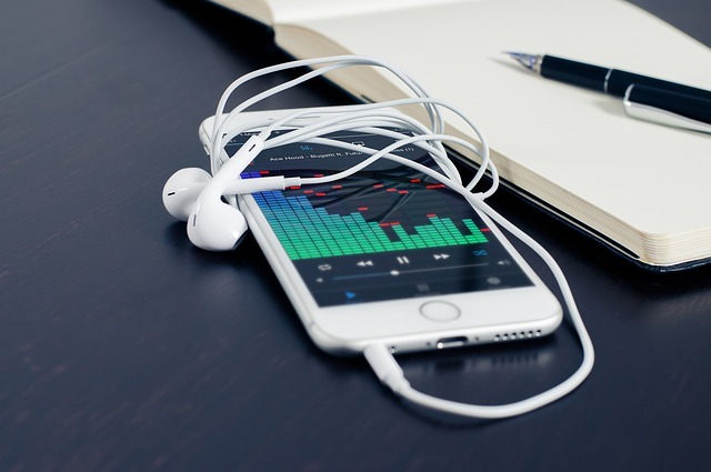 how to manually sync music on your iphone