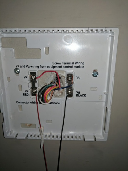 connect manual control huidifier to thermostat