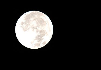 capture moon brightness manual camera setting