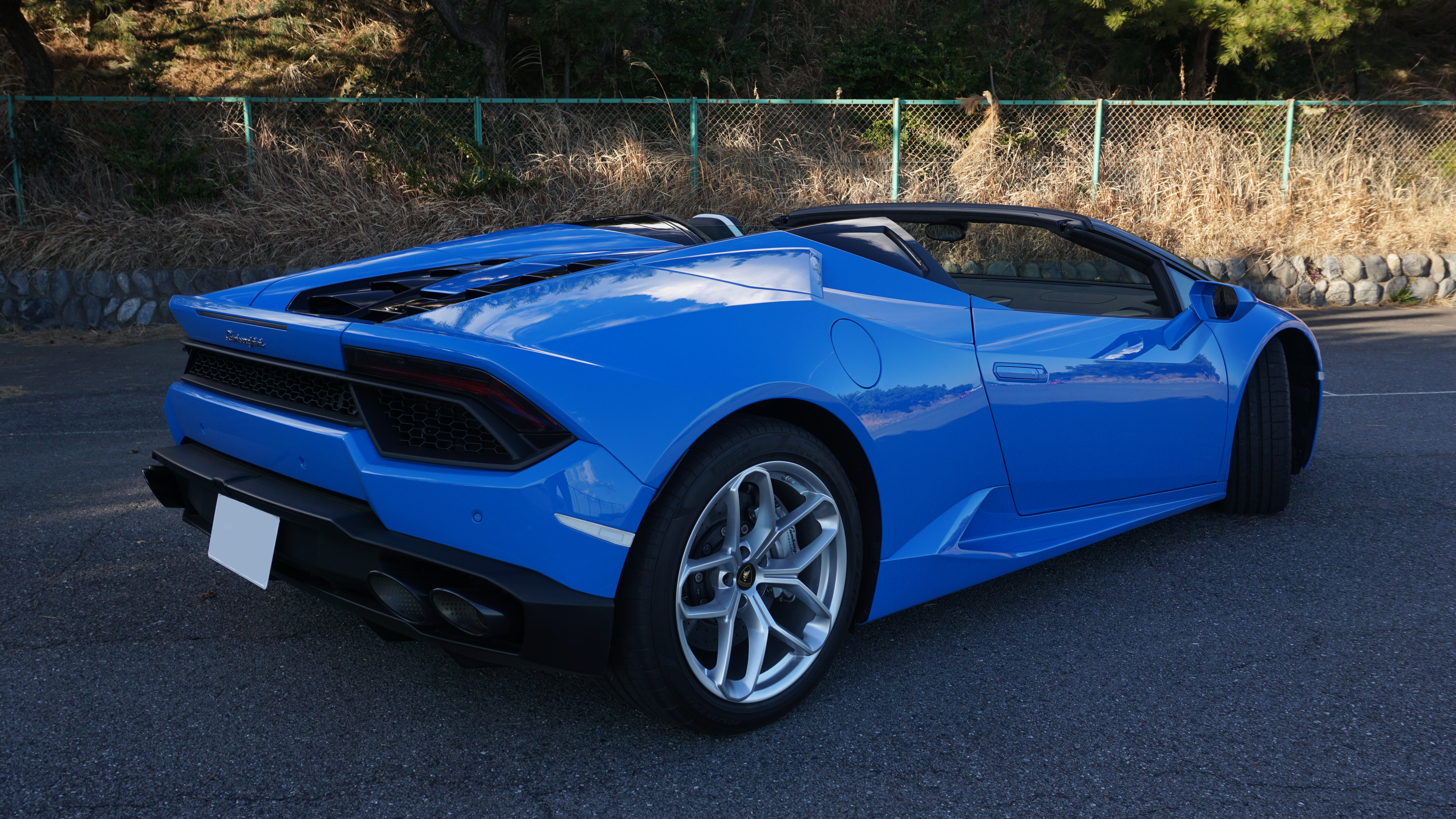 are lambos automatic or manual