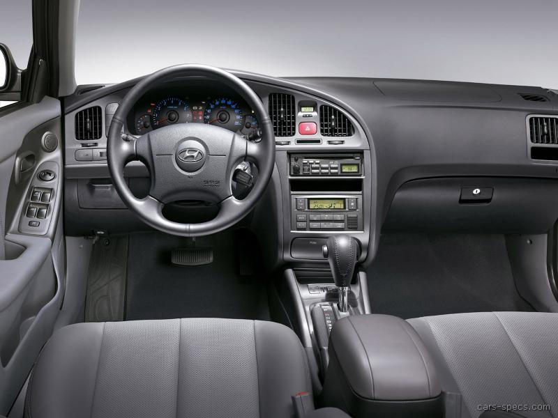 is there any hyundai elantra gls with manual gearbox