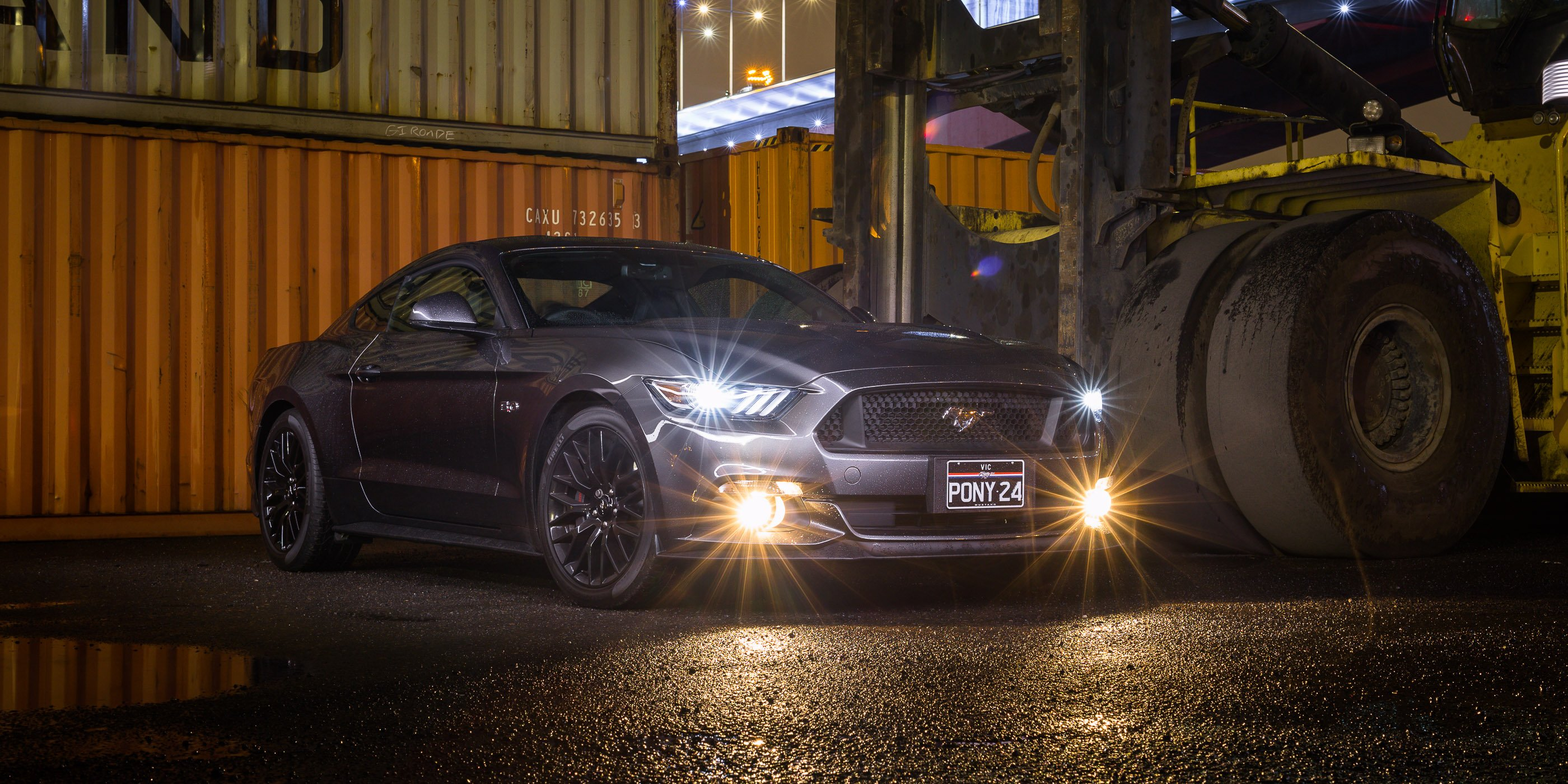 2015 ford mustang gt auto vs manual
