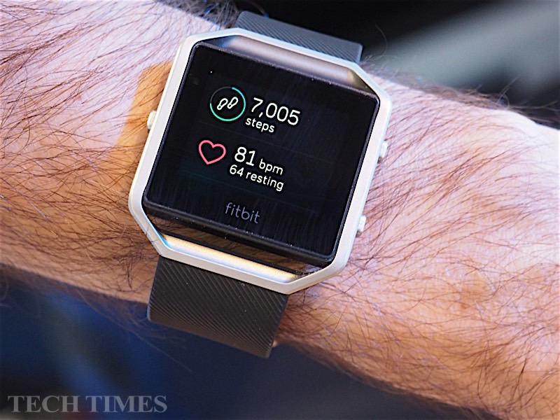 can i update my fitbit manually