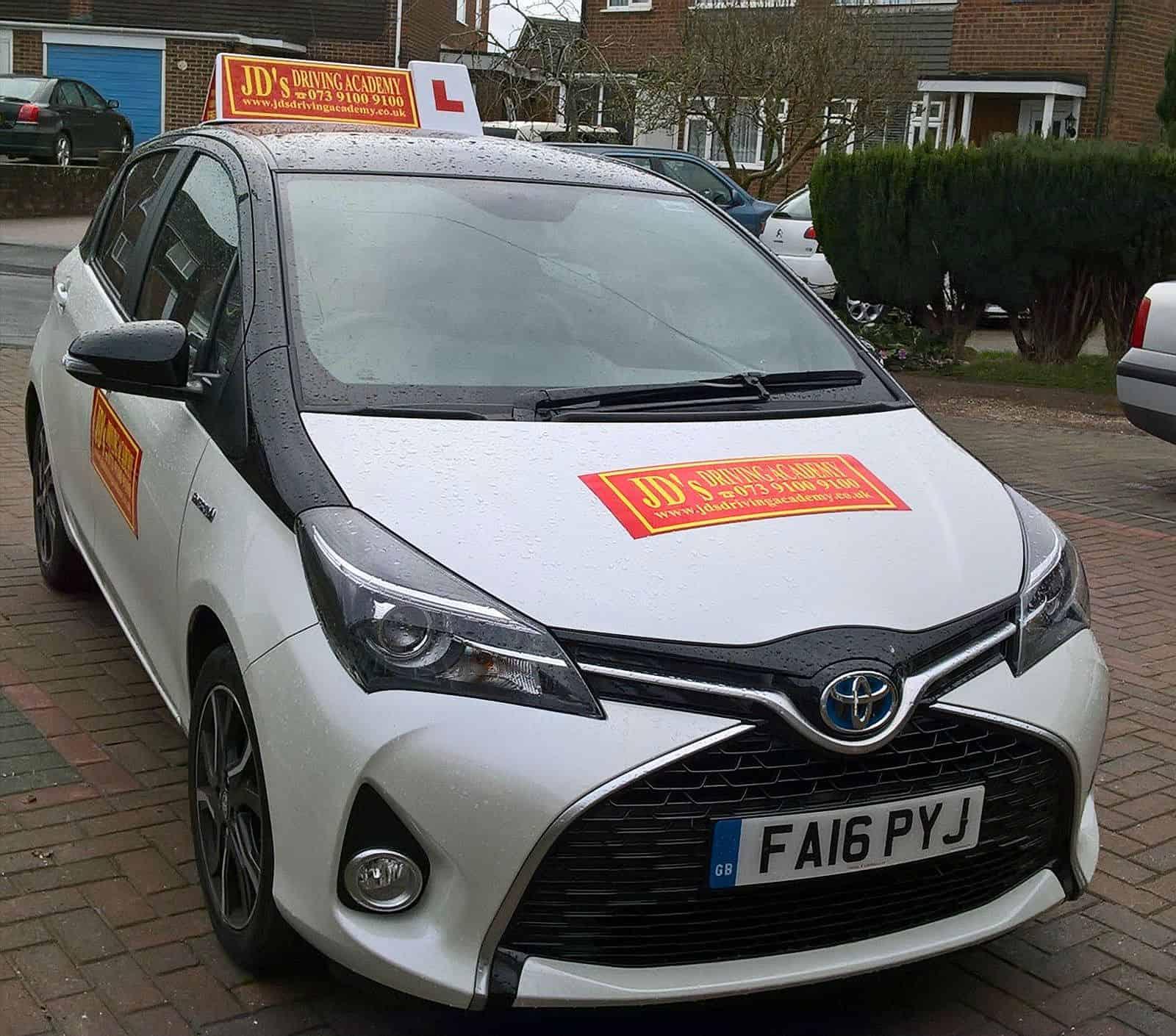 driving manual car in uk